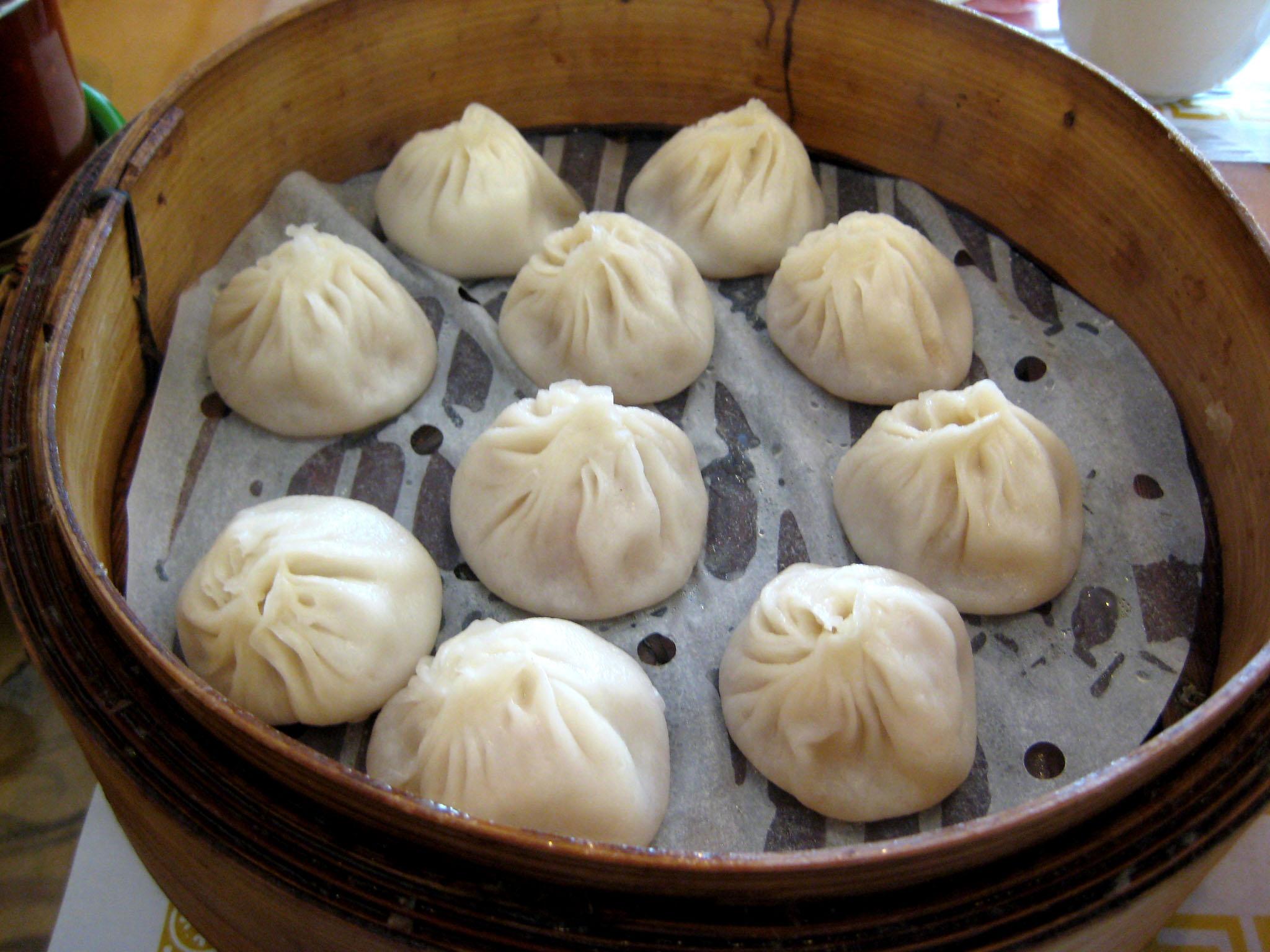 xiao long bao crystal jade la mian xiao long xia long bao dumplings ...